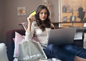 Az online vásárlás a kereskedelem jövője.